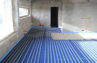 Magánberuházások... Családi lakóház padlófűtés rendszerlemezzel